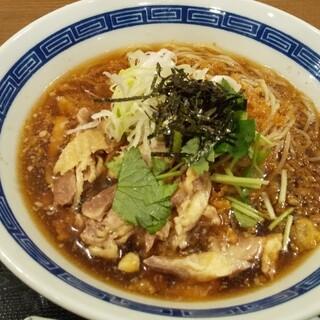鷄専門食堂 まるどり - 料理写真:冷たい肉中華の一杯!