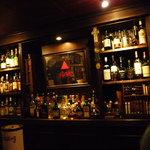 The Smuggler's IRISH PUB - ギネス、キルケニー、バスペールエールが生で楽しめます。