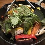 KOKON/Bistro - 広島熟成鶏とグリル野菜の燻製仕立て