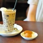五龍閣 - カフェ フランセ 横のカステラも売ってましたね