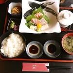 厨 - お刺身+定食