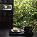 茶房 ぎゃらりー かさの家 - 抹茶セット (梅ヶ枝餅付)