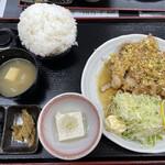 旬菜四季工房 瑠々花 - 油淋鶏ライス大盛