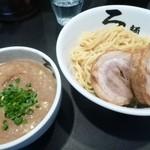 麺屋ろっきん - 2012.09チャーシューつけ麺(950円)
