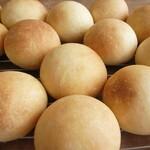 リストランテ ボルゴ・コニシ - 自家製天然酵母パン