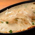魚菜串 いちころ - 長芋とチーズのふわふわ鉄板焼き