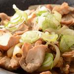 魚菜串 いちころ - 豚バラポン酢炒め