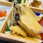 鮨・酒・肴 杉玉 - 天ぷら 揚げたてで美味しいよ!
