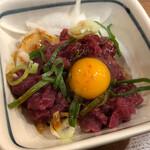 赤垣屋 - 桜ユッケ350円