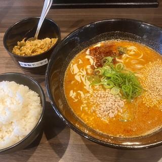 赤麺 梵天丸 - 料理写真:梵天麺と中ごはん