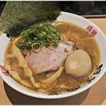 麺屋 庄太 - らぁ麺(並+煮玉子) 900円