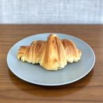 パン・ピジョン - ・クロワッサン 140円/税抜