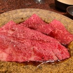 Ushigoro Ginza - ザブトン(すき焼き)