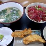 パヤオ直売店 - マグロ丼定食@2011-06