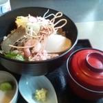 そば処 橋本 - 鯵丼。美味しいです。