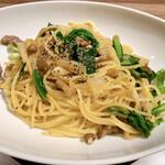高倉町珈琲 - 旬の加賀野菜とイベリコ豚のパスタ