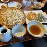吉祥庵 - 桜海老のかき揚げ海老、季節野菜の天もりそば。