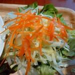 ブラッセリーベガ - 野菜も新鮮で うれしい