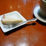 ブラッセリーベガ - ココナッツのケーキ