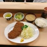 丸八とんかつ店 - 上ロースカツ定食 1,700円(税込)