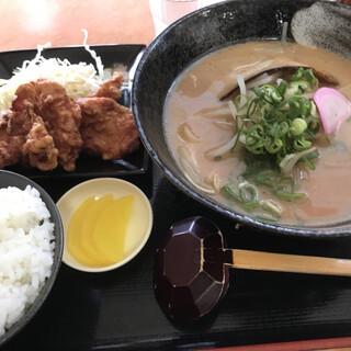 らぁめん 子弁慶 - 料理写真:田辺ラーメン唐揚げセット