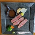 148940907 - 鳥取和牛のステーキ