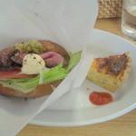 大分香りの博物館 カフェ サ・サンボン - ランチのサンドイッチ&キッシュ