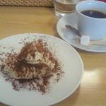 大分香りの博物館 カフェ サ・サンボン - ランチにプラスしたティラミス