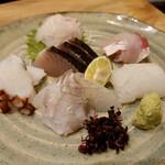 漁師寿司 海蓮丸 - 造り6種盛  鯛、カンパチ、イカ、ヒラメ、明石蛸、鰆、