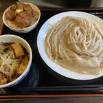 自家製うどん うどきち - 肉汁うどん並 780円 ミニ角煮丼 420円