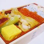 築地食堂 源ちゃん - 源ちゃん十八番弁当950円