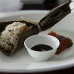 中国料理 「チャイナブルー」 - 魚の照り焼き入り ちまき御飯