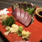 warayakiya - かつおの食べ比べ(藁焼きと刺身)