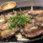 warayakiya - 厚切り牛タンの藁焼き