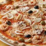 ピアットロッソ - 海の幸のミックスピッツァ