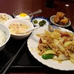 聚香閣 - セットメニュウの豚肉と玉葱の炒め