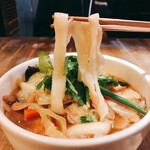 西安刀削麺酒楼 - 野菜たっぷり五目刀削麺(850円)