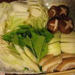 14903444 - すき焼き用野菜盛り(4人前) 玉ねぎや麩も。