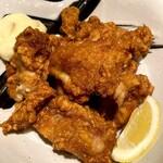 サブライム - 大ぶりな鶏唐揚げ