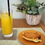 Cercle Dish and Coffee - あんことクリームチーズのたい焼き