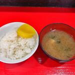 149066002 - 焼肉一人前ランチ ご飯・味噌汁・漬物付き 880円