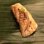 寿司処 やまざき - おまかせ6000円。ノドグロ炙り。大好物です。しっかり炙ってあるので、皮目の脂を存分に楽しめます(╹◡╹)(╹◡╹