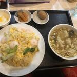 華龍飯店 神保町 - エビチャーハンのランチセット@800円