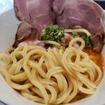 拳ラーメン - 麺