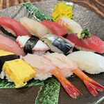 sanrikuchokusoupuripurikakitoshinsengyokaiiwatesanrikuchokusousakabahachimaru - 握り寿司セット 12貫
