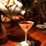 バー・バーンズ - ブラッドオレンジと和三盆と Gordon Gin とウォッカのカクテル