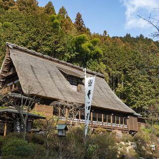 訪れる度にあたらしい表情を見せる、日本建築の美しい佇まい。