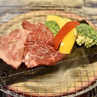 一番美味しい状態をどうぞ◎旨みを逃さず甘みが増す溶岩石焼肉