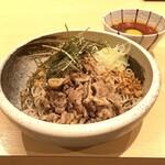 蕎麦とお酒 そばいち - ピリ辛冷やし肉そば ¥750