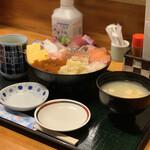 みなと食堂 - 料理写真:おまかせ10種盛り丼